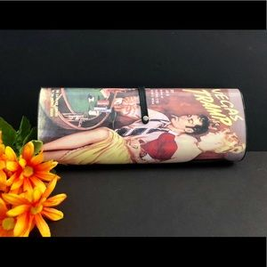 "Revamp Productions Retro clutch ""Vegas Tramp"""